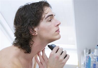چرا پس از اصلاح صورت با ریش تراش پوست قرمز شده و ایجاد حساسیت می کند؟